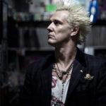 Supla fala sobre trajetória punk e detona apresentador